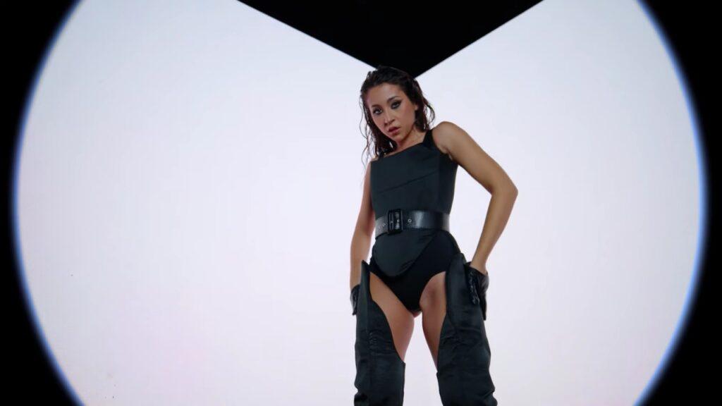Nicole Cherry feat. Jenn Morel – No Te Sale (Official Video)